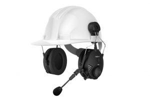 Le Sena TUFFTALK connecté à un casque de chantier