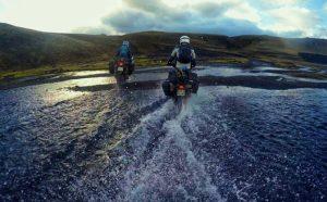 Blkmrkt lors d'un passage de gué en Islande