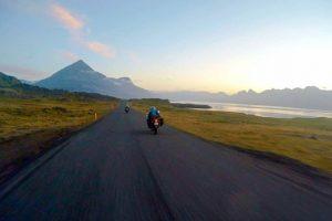 BLKMRKT la chaine moto dédiée aux road trip